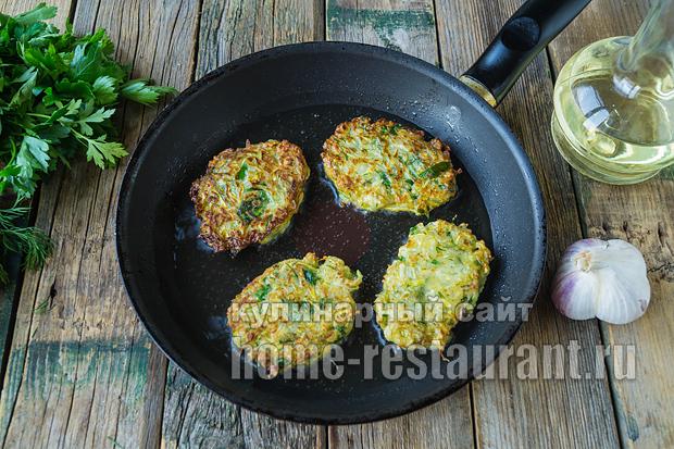 оладьи из кабачков без яиц- рецепт с фото_05