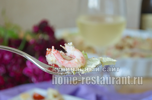 салат цезарь с креветками рецепт с фото пошагово _13