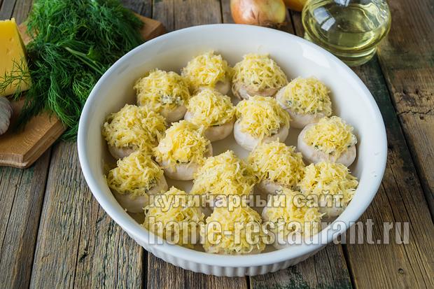 Фаршированные шампиньоны в духовке с сыром и курицей _2