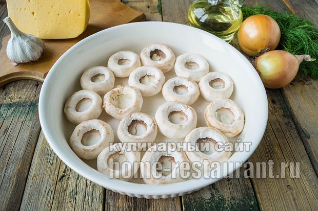 Фаршированные шампиньоны в духовке с сыром и курицей _4