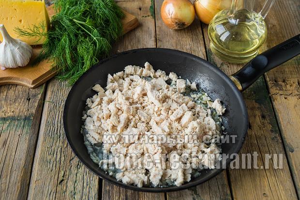 Фаршированные шампиньоны в духовке с сыром и курицей _6