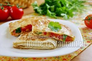 Конвертики из лаваша с сыром и помидорами фото_01