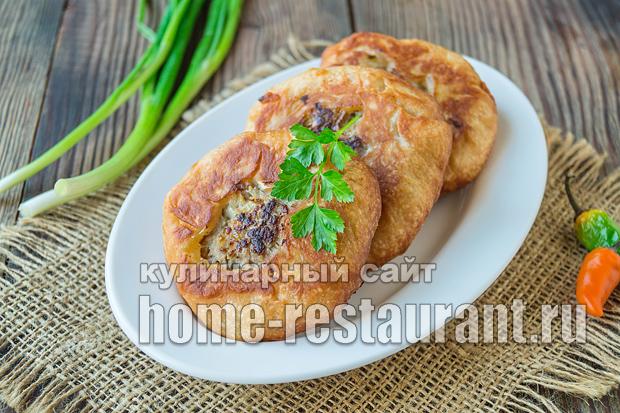 Беляши с мясом на сковороде рецепт с фото