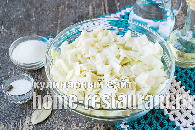 Маринованная капуста со свеклой быстрого приготовления