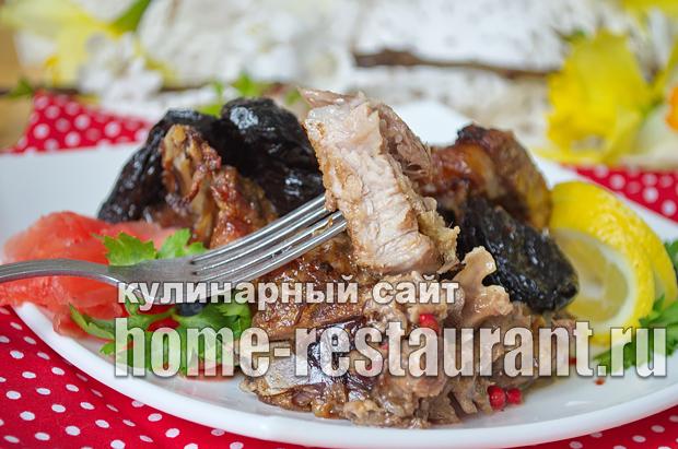 Свинина с черносливом в духовке  фото  _10